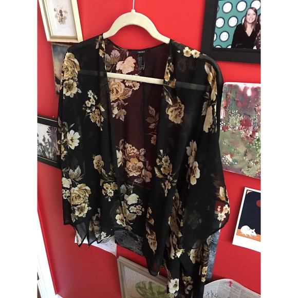 Forever 21 Tops - FLORAL SHEAR CARDIGAN
